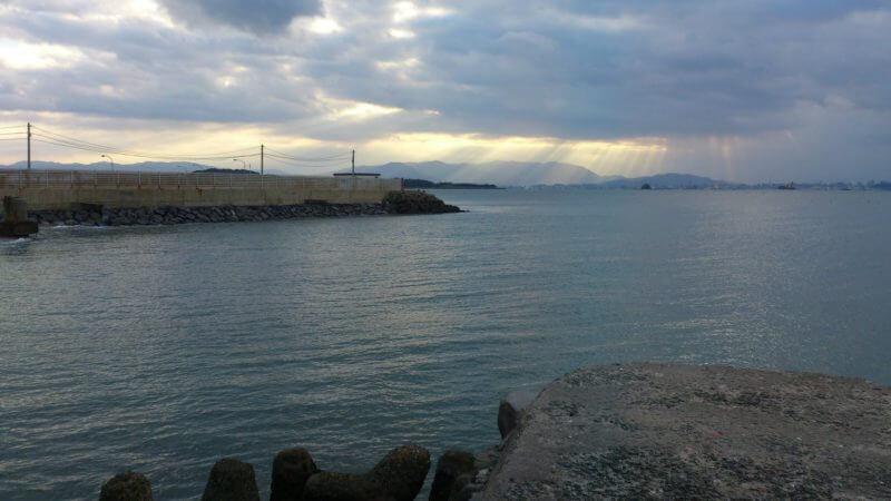 志賀島漁港を見た風景