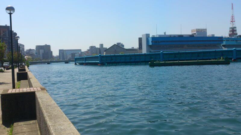ボートレース場フェンス