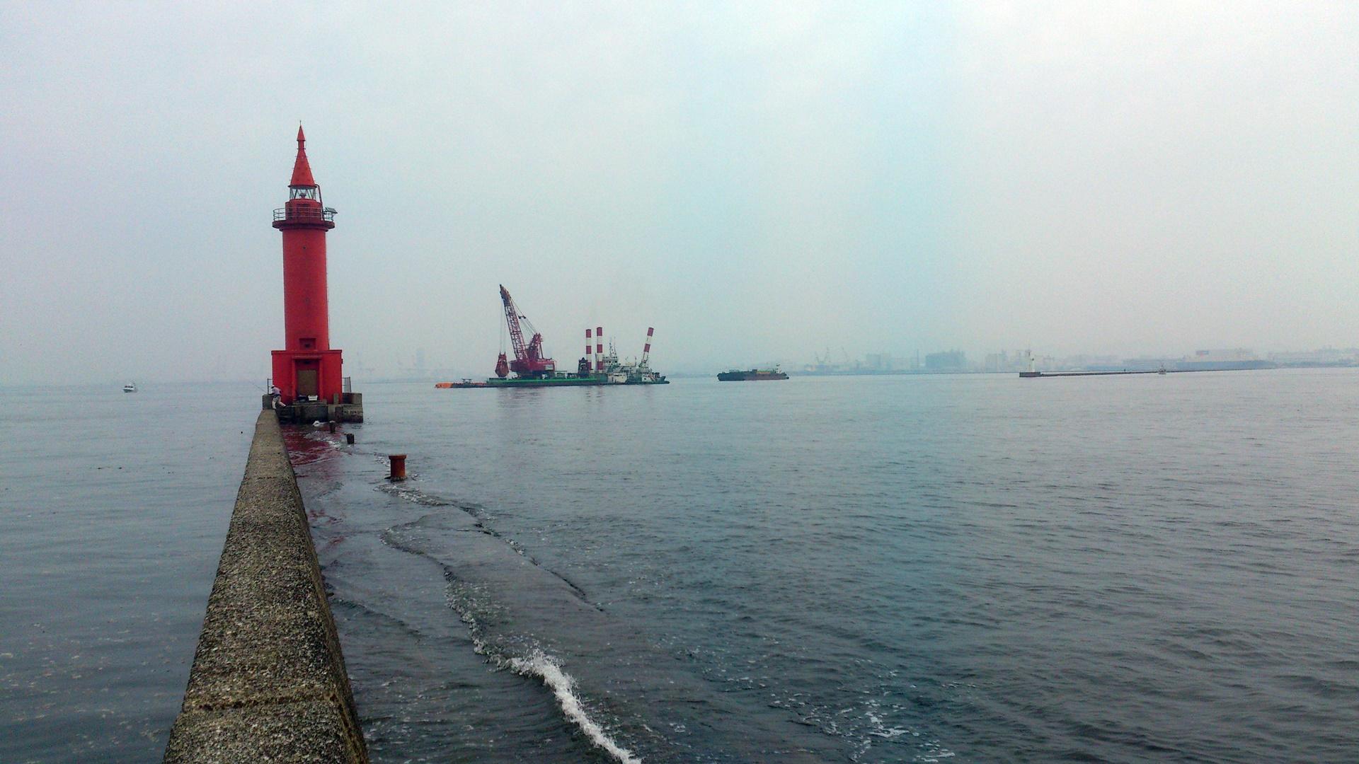 沖防波堤 赤灯台