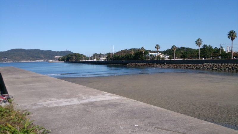 十郎川河口の岸壁