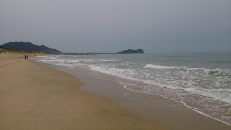 幣の浜方面の海岸