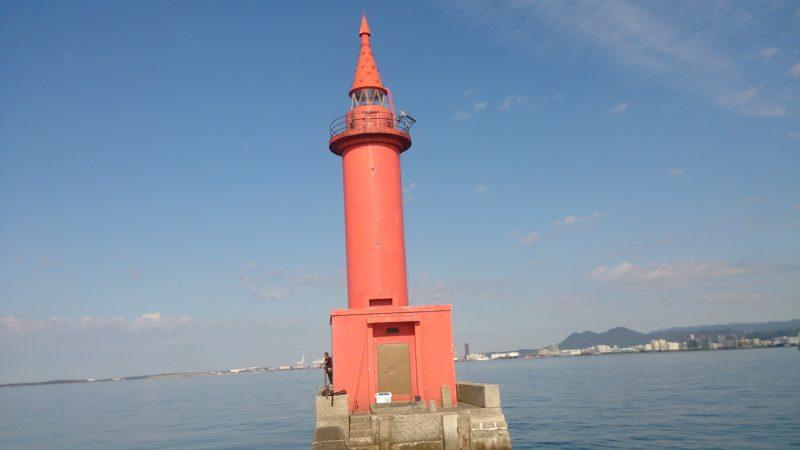 博多沖防赤灯台