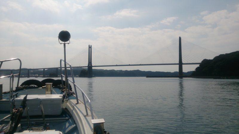 海上から見た呼子大橋